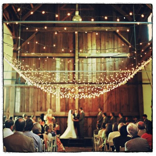 barn wedding onelovephoto Fall Wedding Trends   Rustic and Elegant