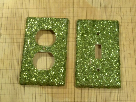 chunkyglitterswitchplates 550 x 413 How To Make A Glitter Switch Plate   A Tutorial