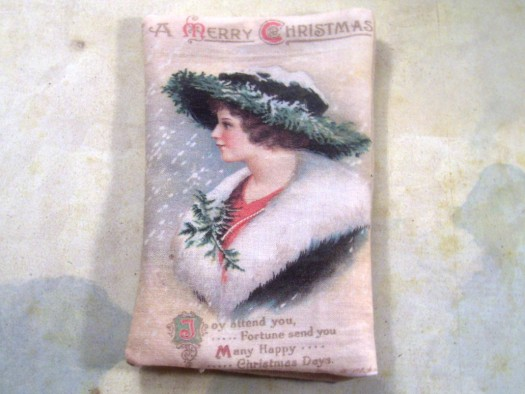 christmassachet 525 x 394 How to Print on Fabric to Make a Christmas Sachet