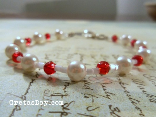 pearlbracelet 525 x 393 Handmade Gifts for Mothers Day