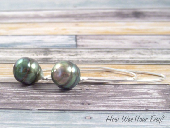 tahitian pearl earrings 2 575 x 433 How to Care for Pearls