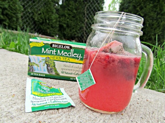 mint raspberry lemonade 575 x 431 27 Totally Amazing Lemonade Recipes
