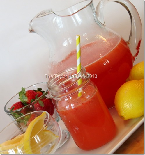 strawberry lemonade 27 Totally Amazing Lemonade Recipes