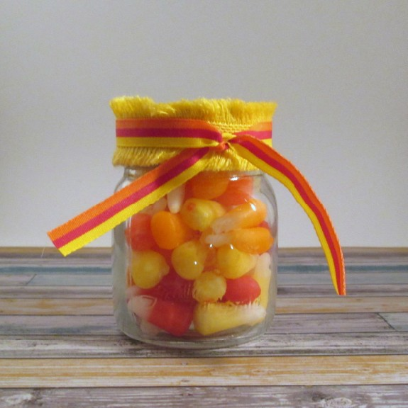 starburst candy corn 575 x 576 DIY Starburst Candy Corn Party Favors