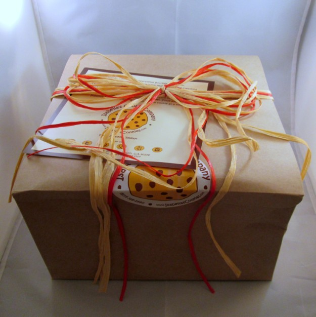 isabellas-cookies-you-complete-me-box (625 x 626)