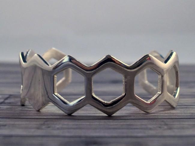 silver-honeycomb-cuff-2 (650 x 486)