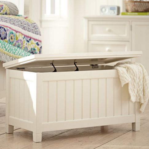 beadboard foot trunk Great Solutions for Small Space Living