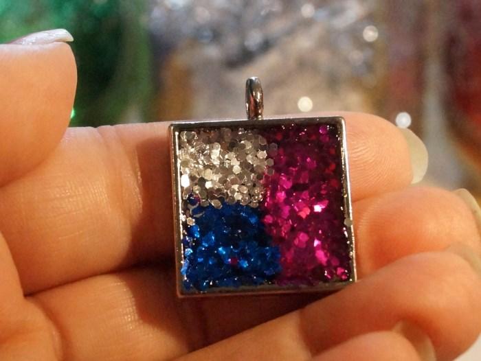 resin-glitter-pendant (700 x 526)