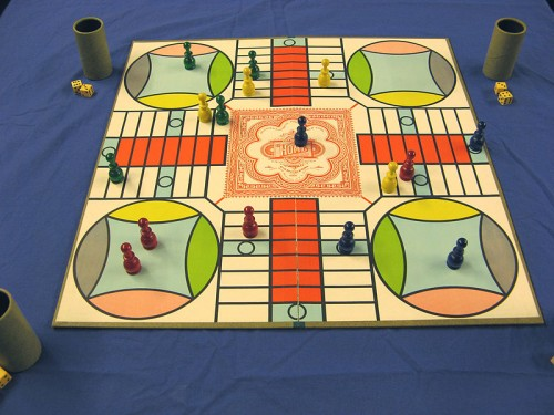Parcheesi pachisi vintage board game