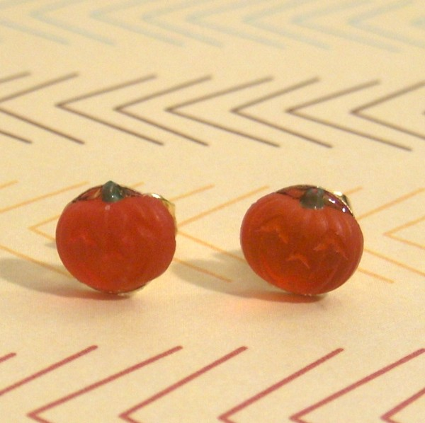 pumpkinstuds (600 x 598) Vintage Jack o Lantern Stud Earrings Giveaway   WW