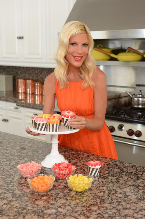 Tori - Cupcakes (575 x 864)