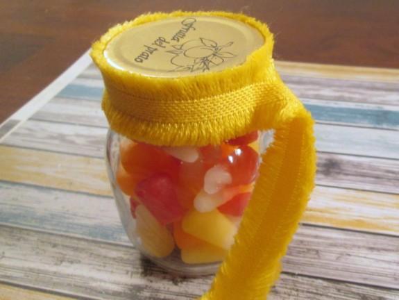 starburst-candy-corn-jar-linen-ribbon-2 (575 x 432)
