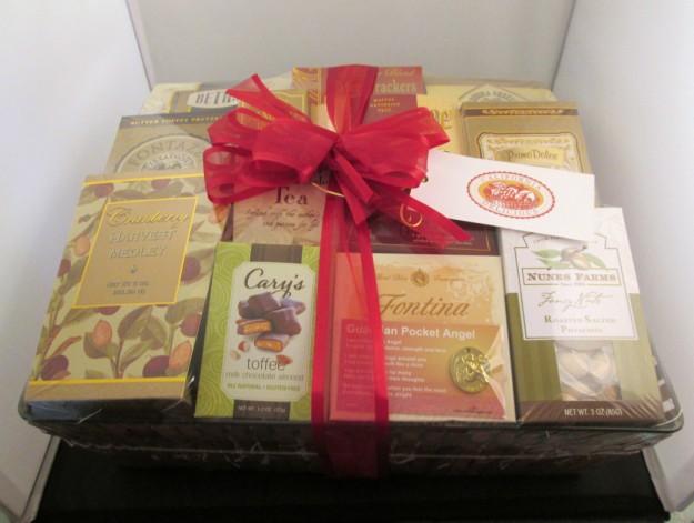 californua-delicious-gift-basket (625 x 471)