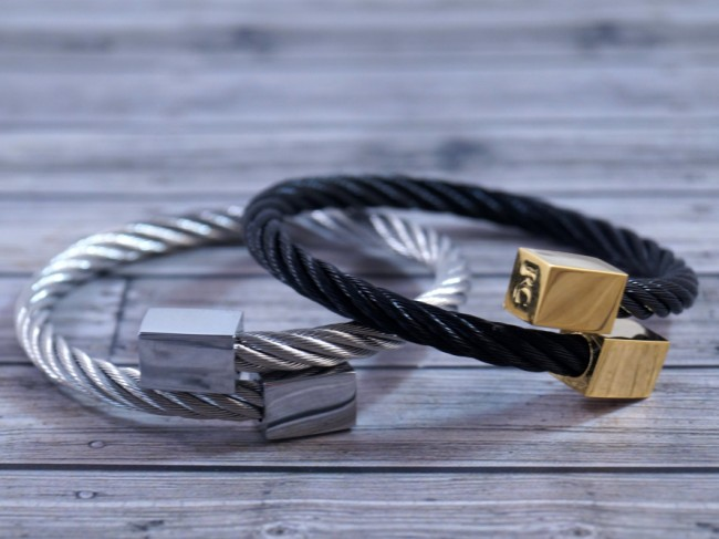 cable-cuffs-2 (650 x 487)